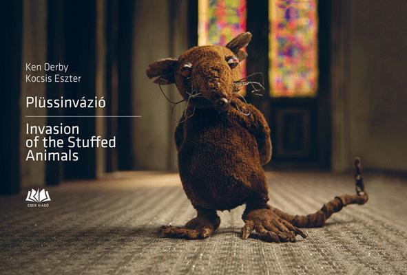 PLÜSSINVÁZIÓ-INVASION OF THE STUFFED ANIMALS